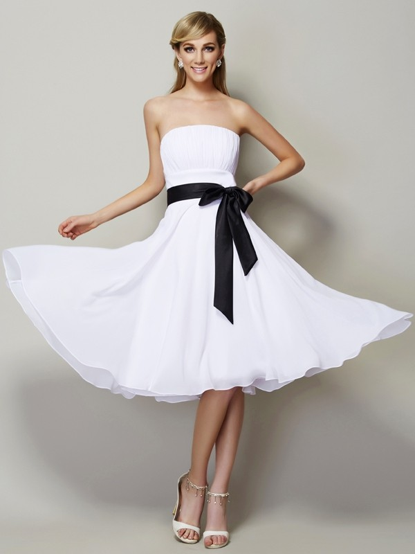 A-Line/Princess Chiffon Strapless Knee-Length Sash/Ribbon/Belt Sleeveless Bridesmaid Dresses