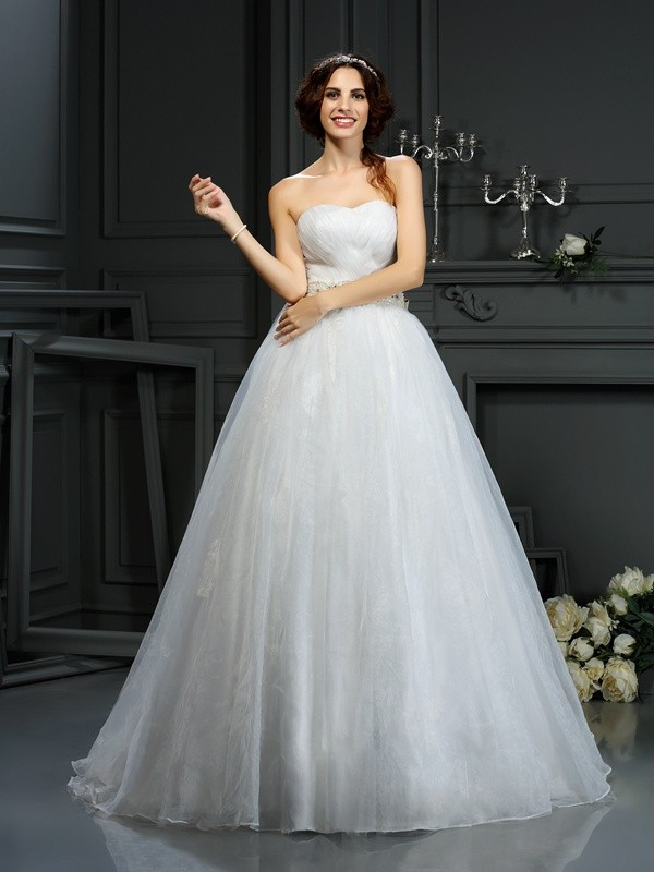 A-Line/Princess Sleeveless Applique Court Train Sweetheart Organza Wedding Dresses