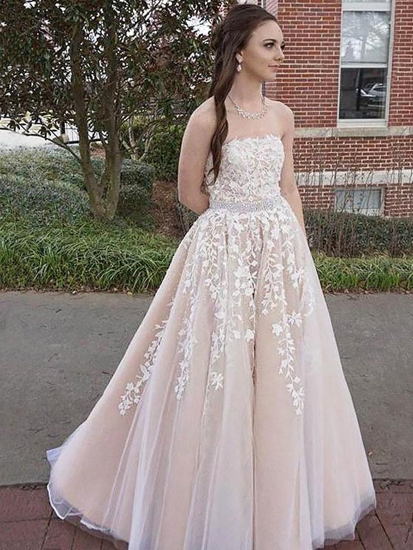A-Line/Princess Strapless Floor-Length Applique Tulle Dress