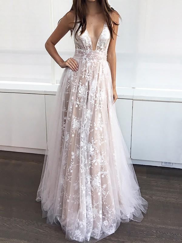 A-Line/Princess V-neck Floor-Length Tulle Applique Dress