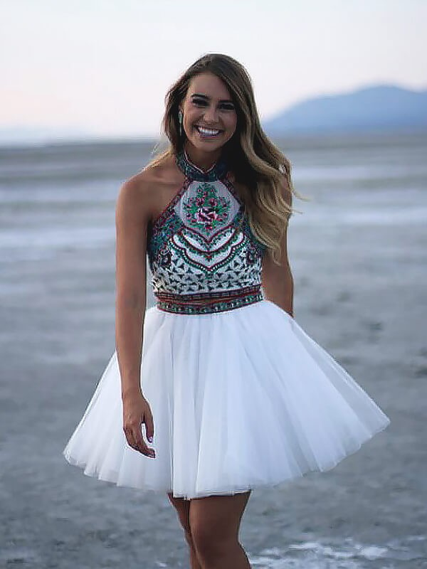 A-line/Princess Short/Mini Tulle Sleeveless Halter Applique Dresses