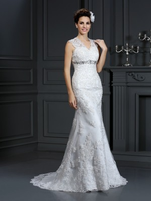 Sheath/Column Sleeveless Beading Sweep/Brush Train V-neck Lace Wedding Dresses
