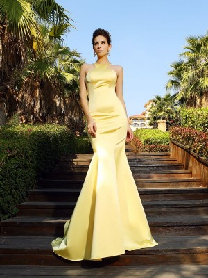 Trumpet/Mermaid Sleeveless Court Train Scoop Satin Dresses