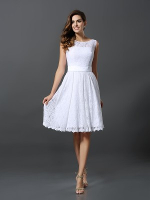 A-Line/Princess Sleeveless Knee-Length Scoop Lace Bridesmaid Dresses