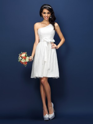 A-Line/Princess Sleeveless Lace Bowknot Short/Mini One-Shoulder Lace Bridesmaid Dresses