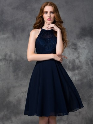A-line/Princess Lace Knee-length Halter Sleeveless Chiffon Bridesmaid Dresses