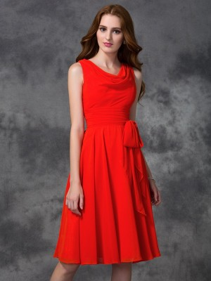 A-line/Princess Ruffles Knee-length Scoop Sleeveless Chiffon Bridesmaid Dresses