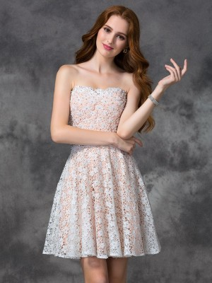 A-line/Princess Lace Short/Mini Sweetheart Sleeveless Lace Cocktail Dresses