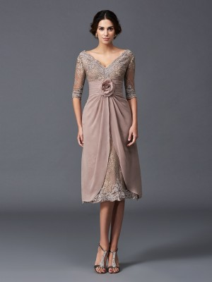 A-Line/Princess Hand-Made Flower Tea-Length V-neck 1/2 Sleeves Lace Mother of the Bride Dresses