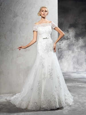Sheath/Column Applique Court Train Off-the-Shoulder Short Sleeves Net Wedding Dresses