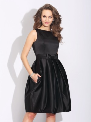 A-Line/Princess Bowknot Short/Mini Bateau Sleeveless Satin Cocktail Dresses
