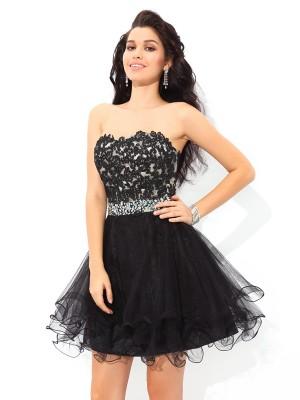 A-Line/Princess Applique Short/Mini Sweetheart Sleeveless Satin Cocktail Dresses