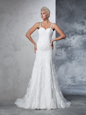 Trumpet/Mermaid Lace Chapel Train Spaghetti Straps Sleeveless Lace Wedding Dresses