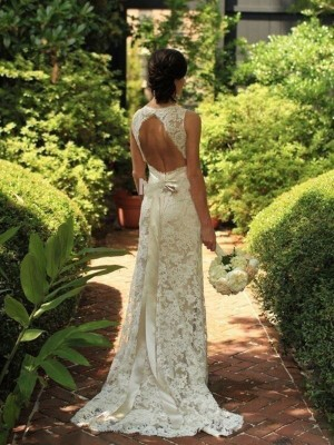 Sheath/Column Sweep/Brush Train Lace Sleeveless V-neck Wedding Dresses
