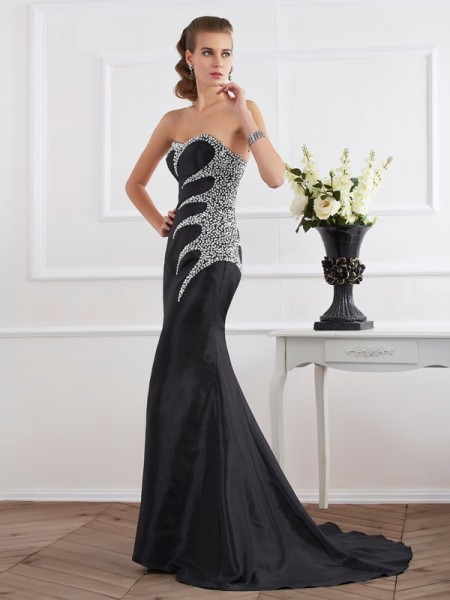 Trumpet/Mermaid Taffeta Strapless Sweetheart Sweep/Brush Train Beading Sleeveless Dresses