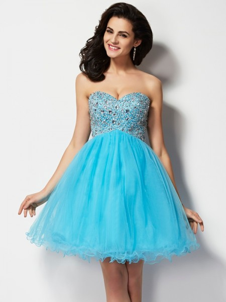 A-Line/Princess Tulle Sweetheart Short/Mini Beading Sleeveless Cocktail Dresses