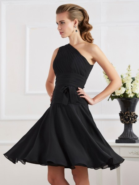 A-Line/Princess Chiffon One-Shoulder Knee-Length Pleats Sleeveless Dresses