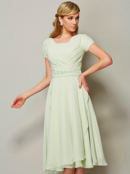 Sheath/Column Chiffon Bateau Knee-Length Ruffles Short Sleeves Bridesmaid Dresses
