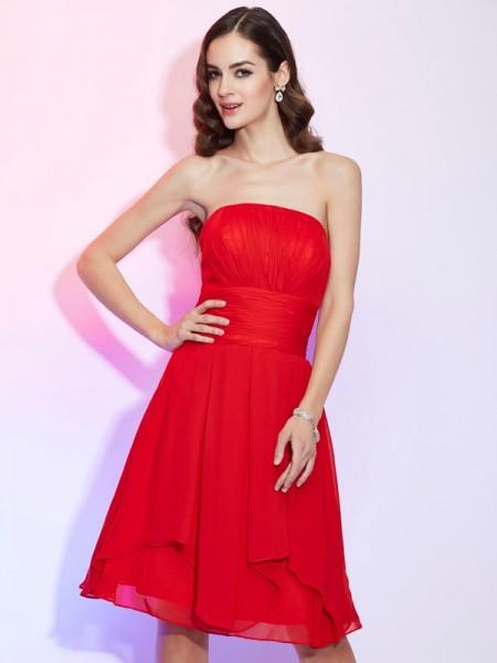 A-Line/Princess Chiffon Strapless Knee-Length Pleats Sleeveless Dresses