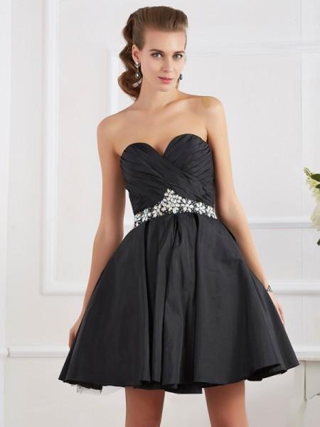 A-Line/Princess Taffeta Sweetheart Short/Mini Beading Sleeveless Cocktail Dresses