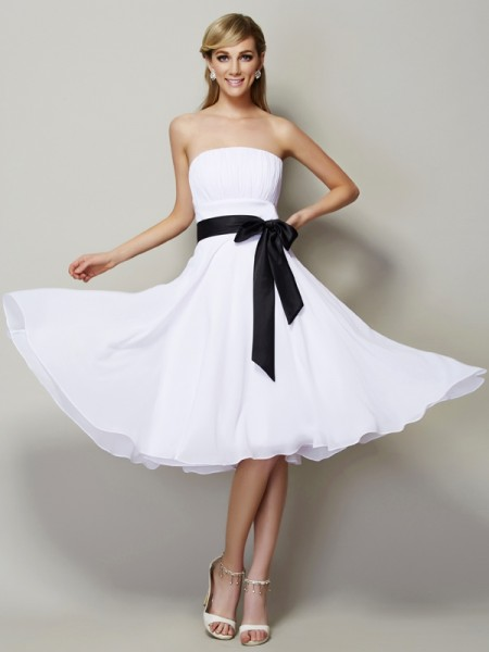 A-Line/Princess Chiffon Strapless Knee-Length Sash/Ribbon/Belt Sleeveless Bridesmaid Dresses