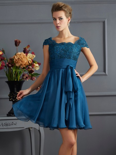 A-Line/Princess Chiffon Scoop Short/Mini Lace Short Sleeves Dresses
