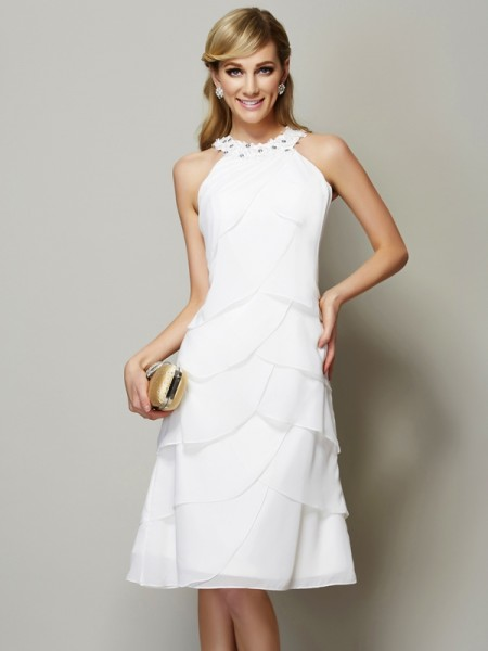 Sheath/Column Chiffon Bateau Knee-Length Beading Applique Sleeveless Dresses