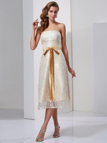Sheath/Column Satin Strapless Knee-Length Sash/Ribbon/Belt Sleeveless Dresses