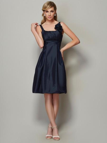 A-Line/Princess Taffeta Straps Knee-Length Pleats Sleeveless Dresses