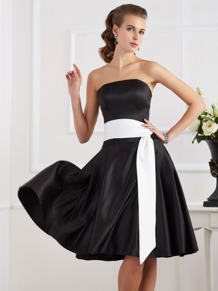 A-Line/Princess Satin Strapless Knee-Length Sash/Ribbon/Belt Sleeveless Dresses