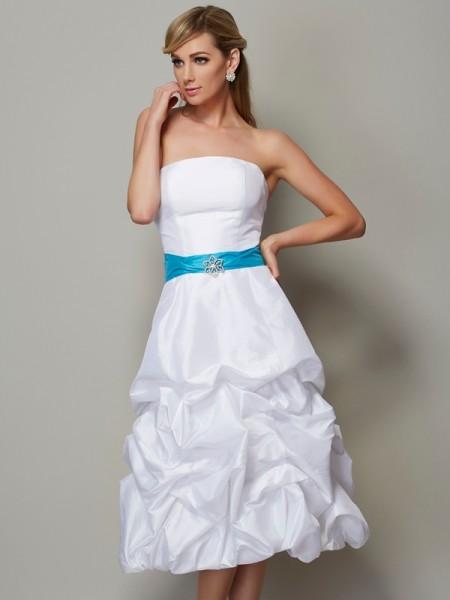 A-Line/Princess Taffeta Strapless Tea-Length Sleeveless Dresses
