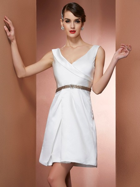 A-Line/Princess Satin Straps Short/Mini Beading Sleeveless Dresses