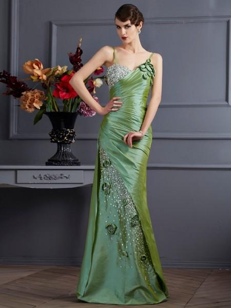 Trumpet/Mermaid Taffeta Spaghetti Straps Floor-Length Beading Sleeveless Dresses