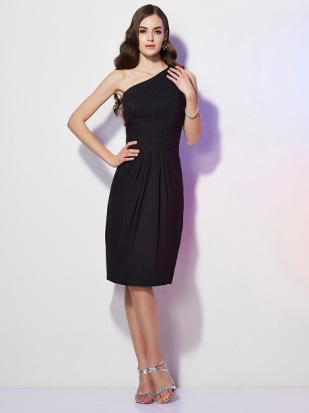 Sheath/Column Chiffon One-Shoulder Knee-Length Beading Sleeveless Dresses