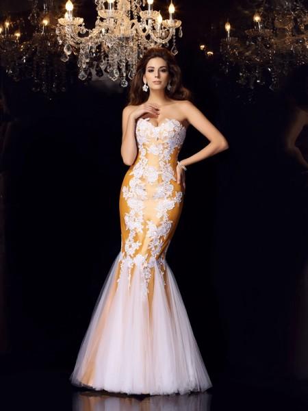 Trumpet/Mermaid Sleeveless Applique Floor-Length Sweetheart Taffeta Dresses