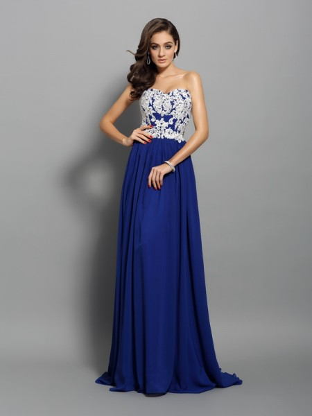 A-Line/Princess Sleeveless Applique Sweep/Brush Train Sweetheart Chiffon Dresses