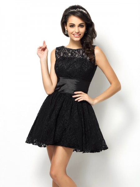 A-Line/Princess Sleeveless Lace Short/Mini Bateau Lace Dresses