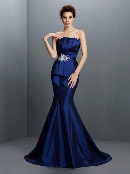 Trumpet/Mermaid Sleeveless Beading Sweep/Brush Train Strapless Taffeta Dresses