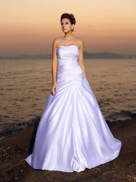Ball Gown Sleeveless Beading Applique Court Train Strapless Satin Wedding Dresses
