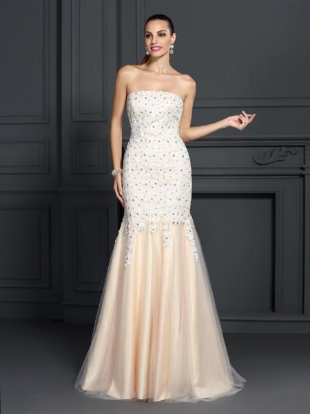 Trumpet/Mermaid Sleeveless Lace Sweep/Brush Train Strapless Satin Dresses
