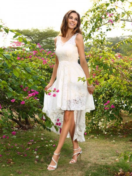 A-Line/Princess Sleeveless Lace Asymmetrical V-neck Lace Bridesmaid Dresses