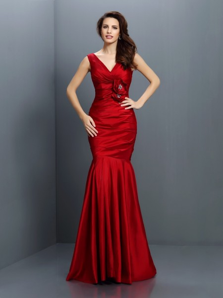 Trumpet/Mermaid Sleeveless Hand-Made Flower Floor-Length V-neck Taffeta Bridesmaid Dresses