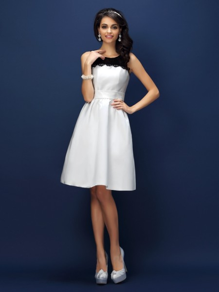 Sheath/Column Sleeveless Lace Knee-Length Bateau Satin Bridesmaid Dresses