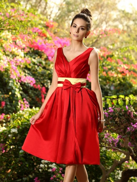 A-Line/Princess Sleeveless Pleats Sash/Ribbon/Belt Knee-Length V-neck Satin Bridesmaid Dresses