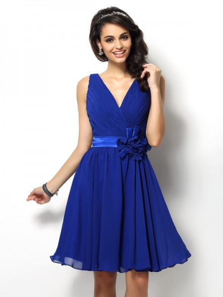 A-Line/Princess Sleeveless Pleats Short/Mini V-neck Chiffon Bridesmaid Dresses