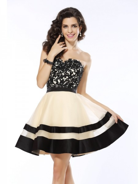 A-Line/Princess Sleeveless Applique Short/Mini Sweetheart Organza Cocktail Dresses