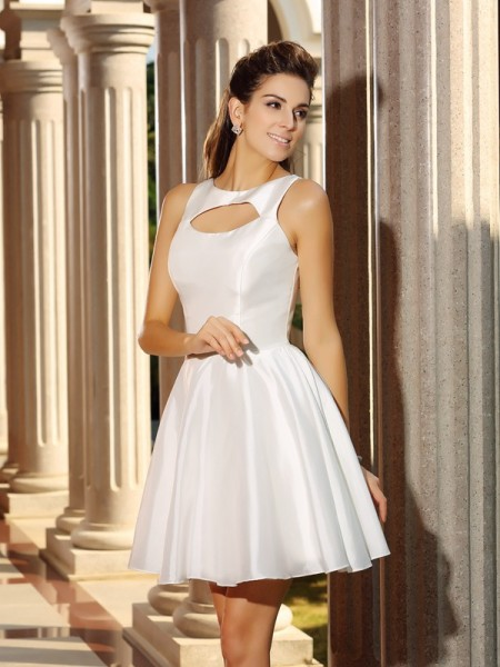 A-Line/Princess Sleeveless Short/Mini High Neck Satin Cocktail Dresses