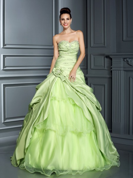 Ball Gown Sleeveless Hand-Made Flower Floor-Length Sweetheart Taffeta Dresses