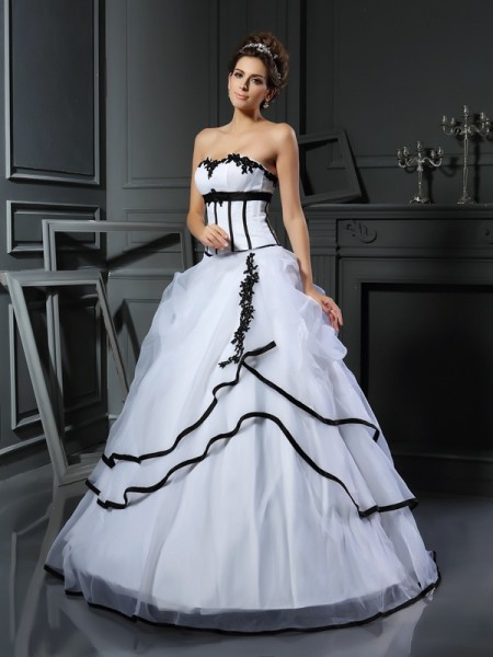Ball Gown Sleeveless Applique Floor-Length Sweetheart Satin Wedding Dresses
