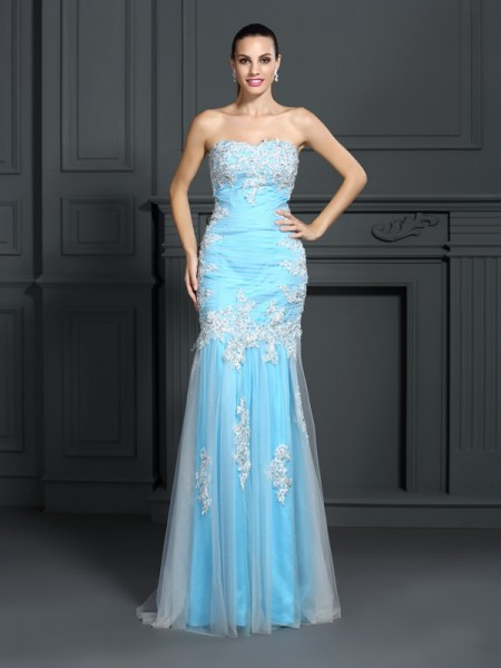 Trumpet/Mermaid Sleeveless Applique Floor-Length Strapless Elastic Woven Satin Dresses